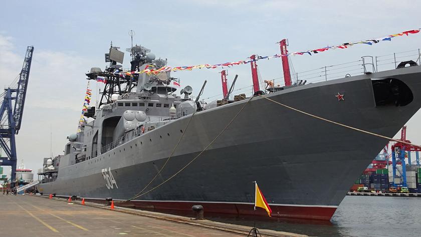 Бенгальские огни: Россия проводит военно-морские учения с Индией