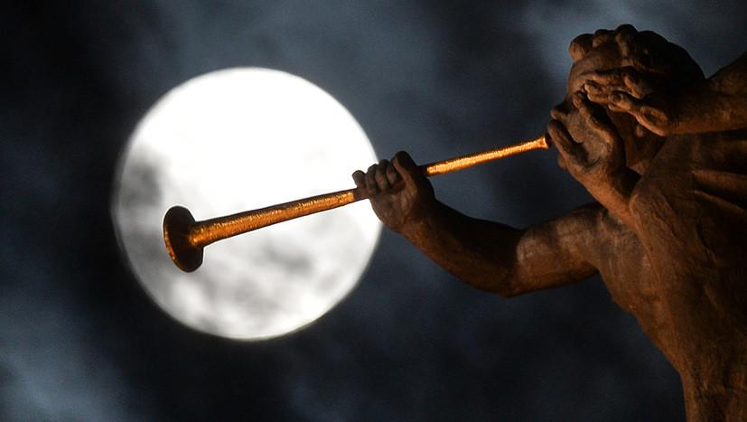 Луна затмила звездопад: суперлуние помешает наблюдать метеоритный дождь