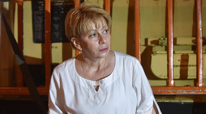 Елизавета Глинка во время посадки детей из Донбасса на спецборт МЧС РФ в аэропорту Ростова-на-Дону перед отправкой в Москву для дальнейшего лечения