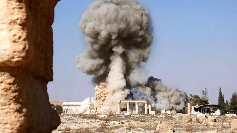 Памятники в жертву политике: взявшие Пальмиру террористы уничтожают реликвии