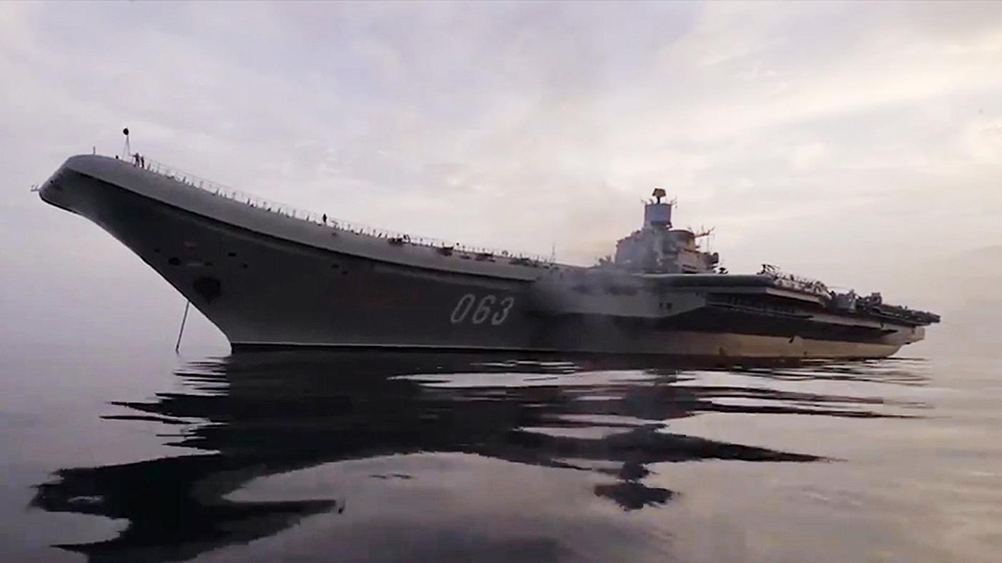 Снимаемся с якоря: «Адмирал Кузнецов» после успешного выполнения задания покидает Сирию