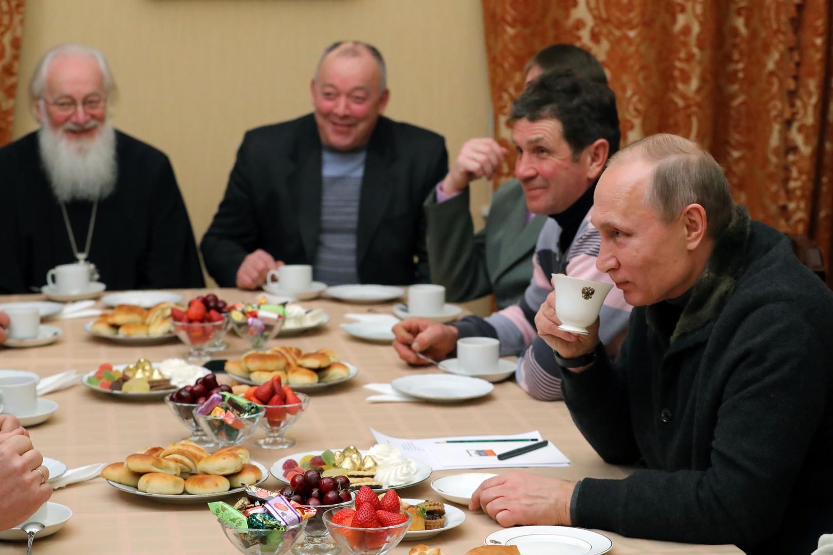 Путин в разговоре с рыбаками выразил уверенность, что 2017 год будет лучше предыдущего