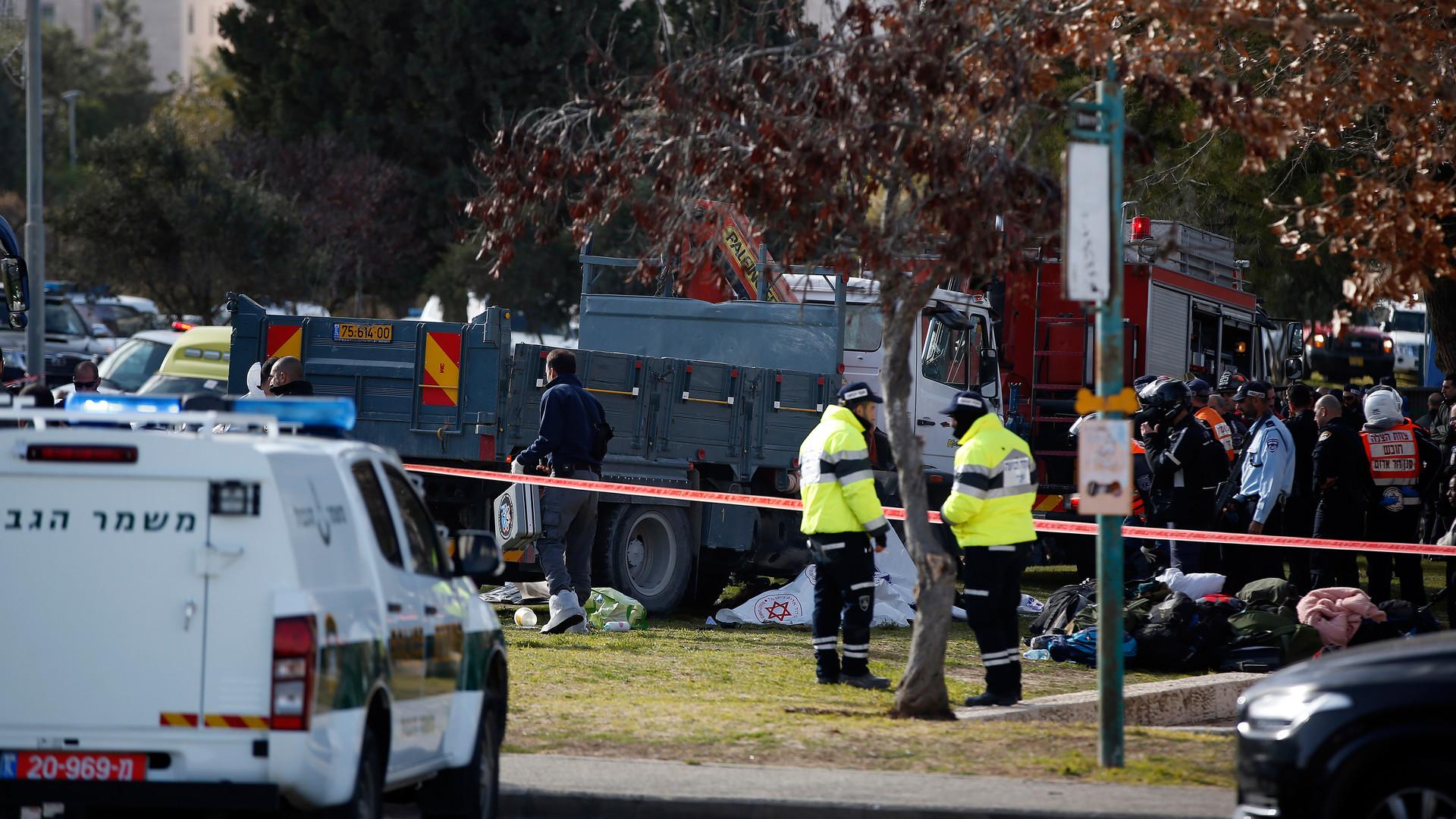Теракт в Иерусалиме: грузовик въехал в пешеходов, погибли четверо