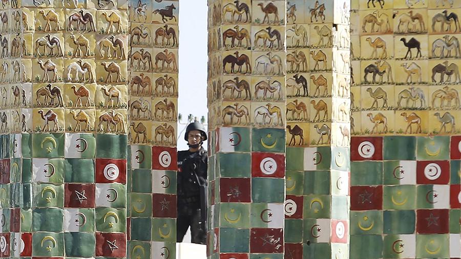 как США будут развивать демократию в Тунисе