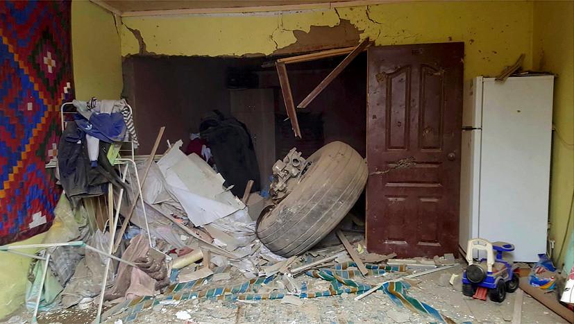 «Личная трагедия для всех»: очевидцы катастрофы в Бишкеке о том, как помогали раненым