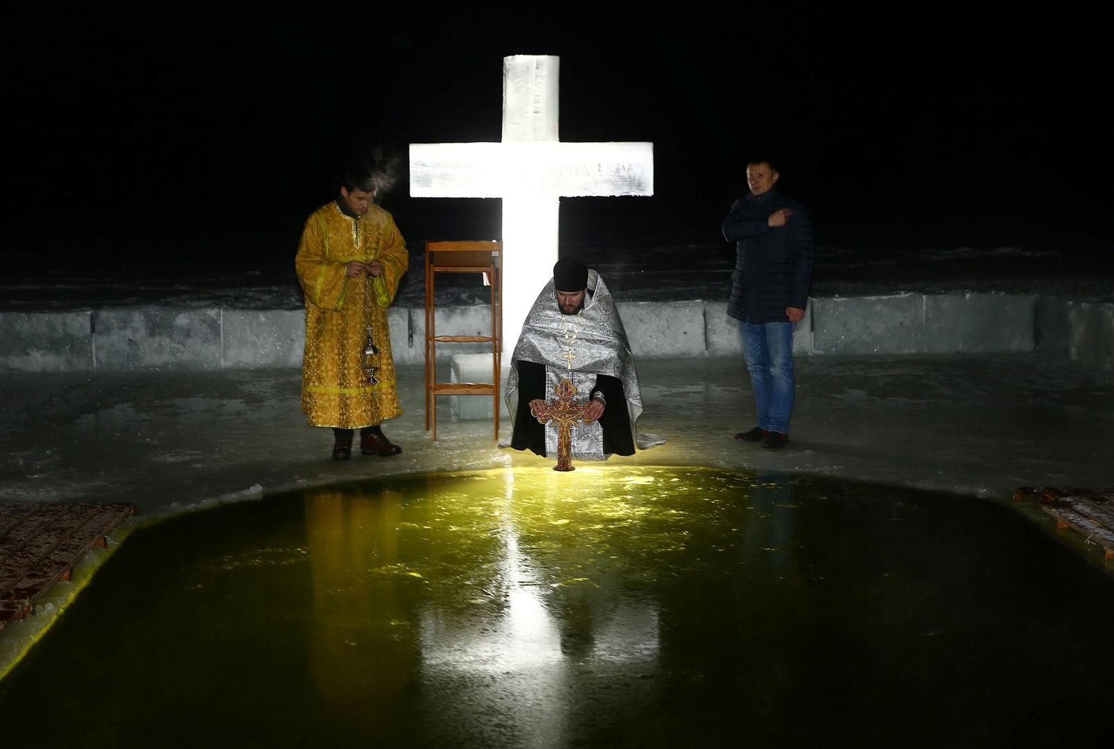 Крещенские купания: как в России отмечают один из главных православных праздников
