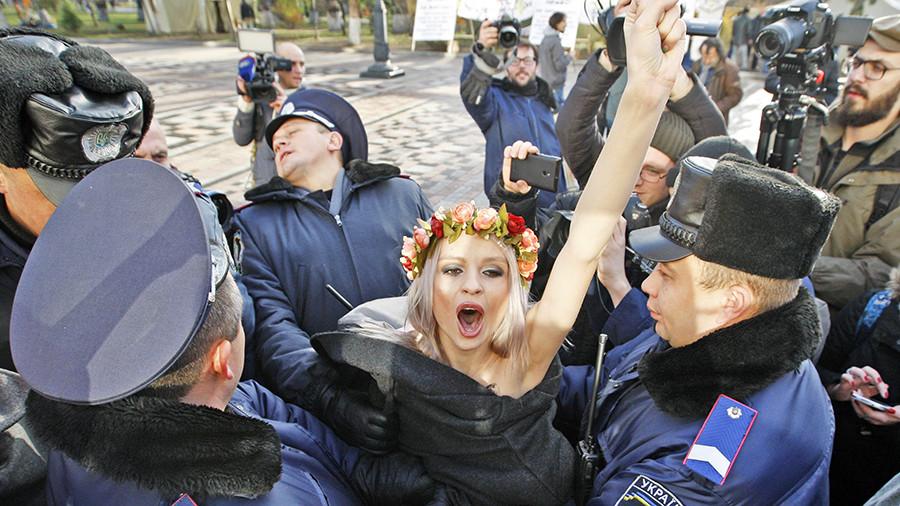 движение FEMEN прекратило деятельность