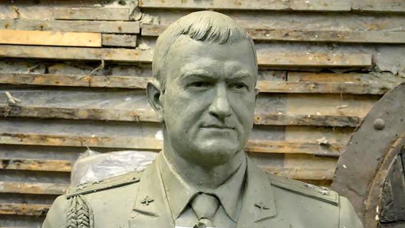 Памятник погибшему в Сирии лётчику Хабибуллину предлагают установить в Хмеймиме