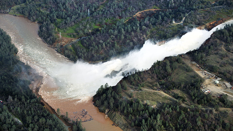 Удар стихии: крупнейшие за полвека катастрофы на плотинах в США