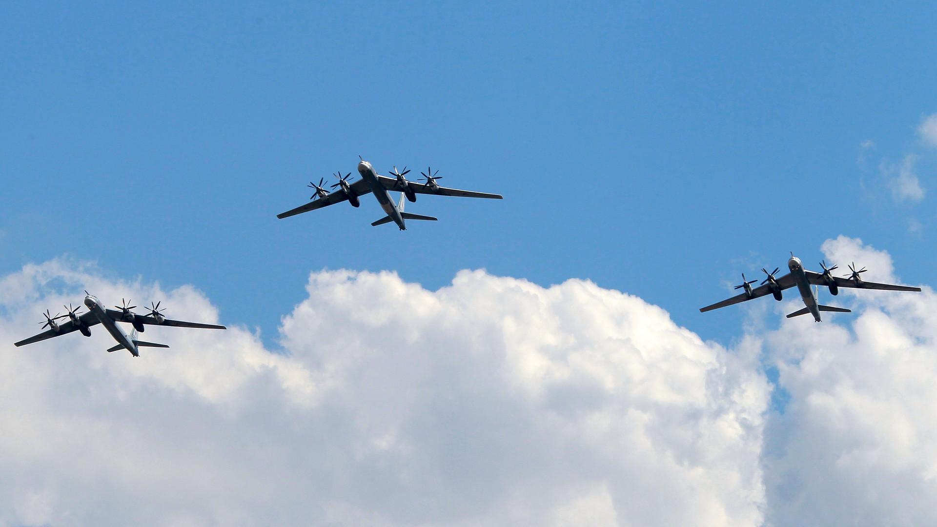 Российские бомбардировщики ликвидировали базы ИГ в Ракке