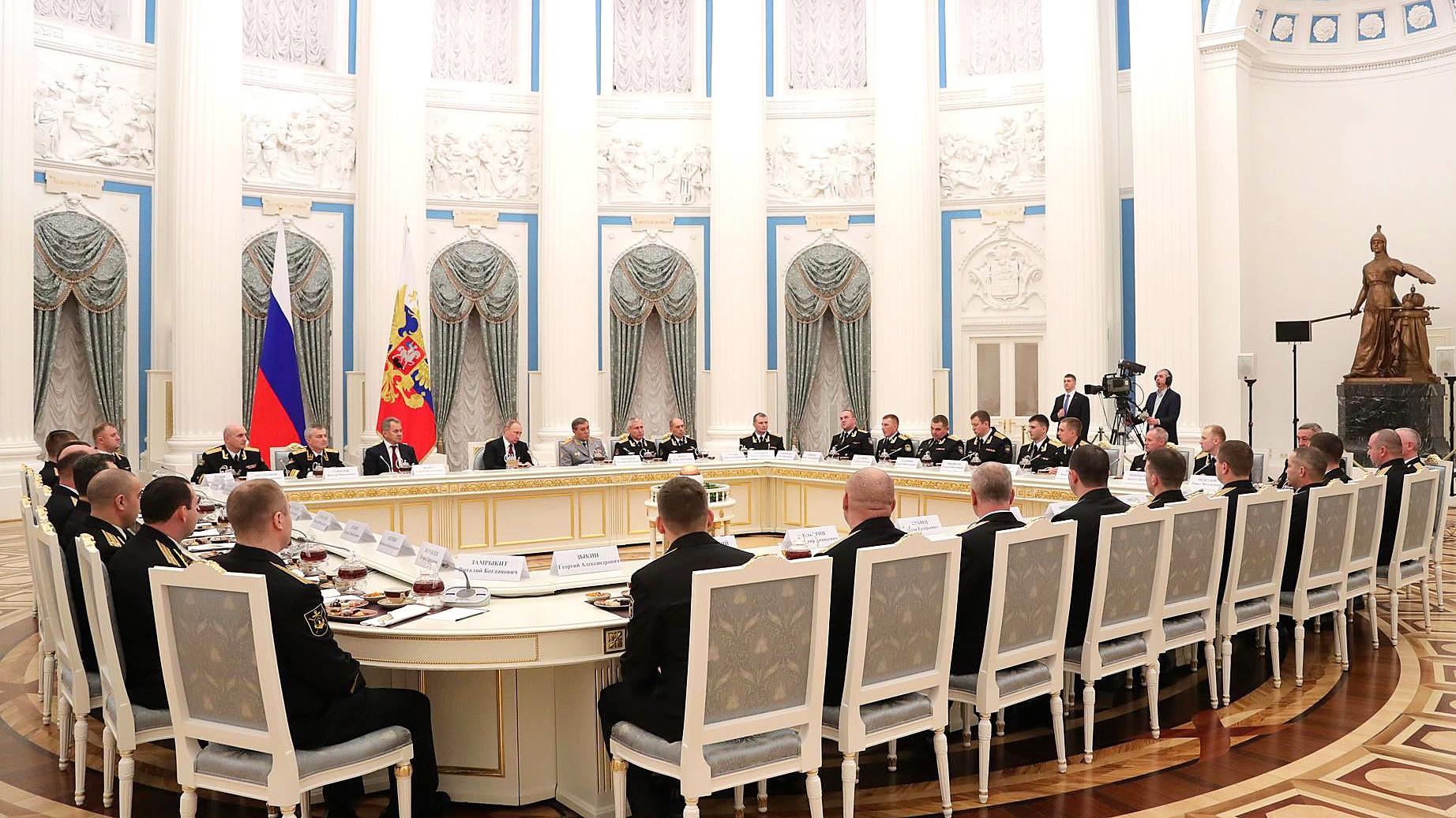 «Достойная работа»: Путин отметил успехи военных РФ  в Сирии