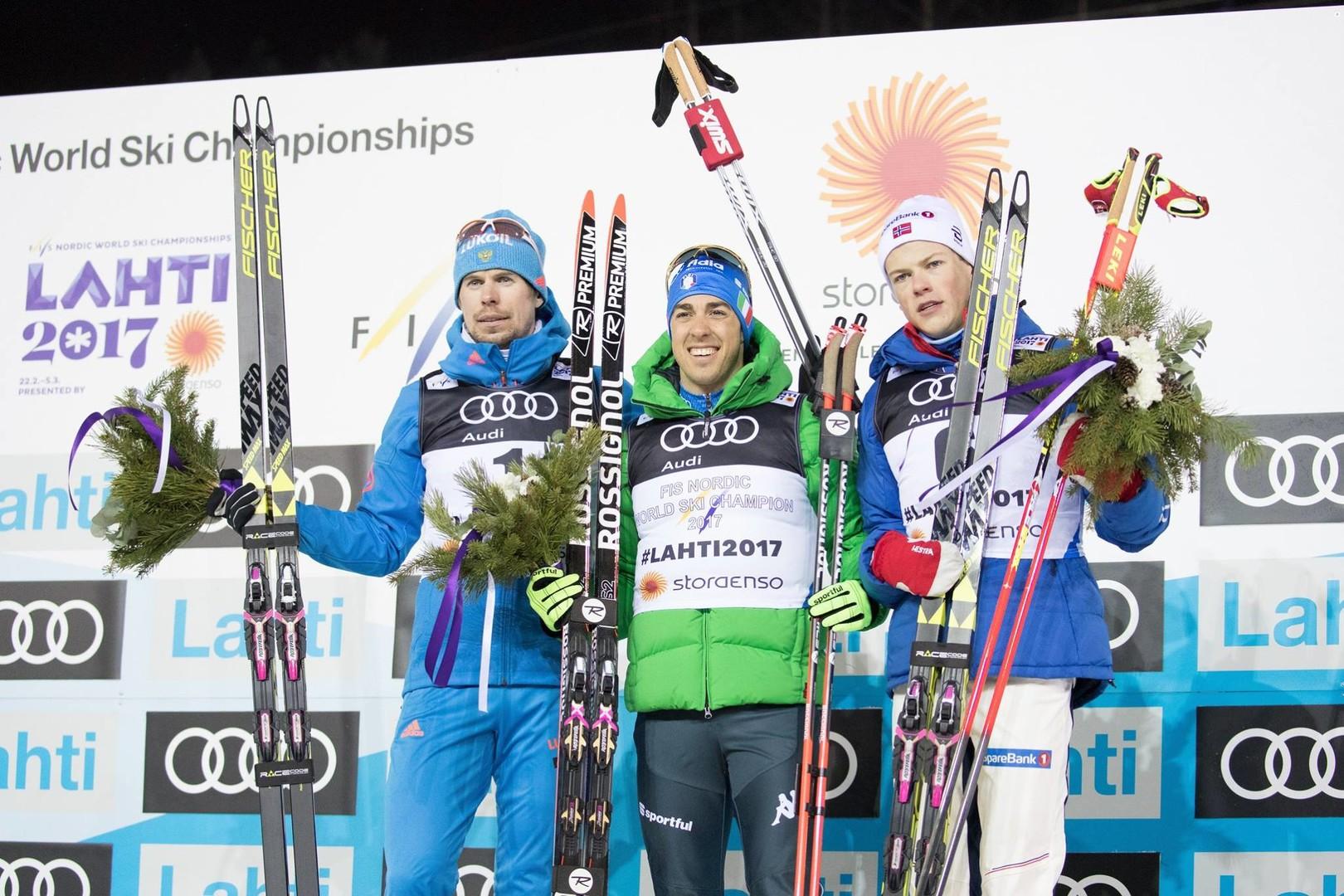 «Медаль посвящаю отстранённым ни за что»: лыжник Устюгов завоевал серебро ЧМ
