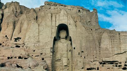 Статуя Будды, разрушенная в 2001 году в Афганистане
