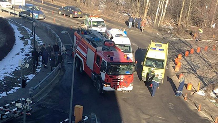 Пожарная машина сбила пешеходов у аэропорта Домодедово