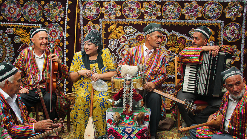 Госдеп США соберет базу данных граждан Таджикистана