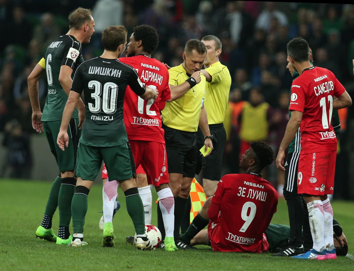 «Я бы увёл команду с поля»: реакция на судейство в матче «Краснодар» — «Спартак»