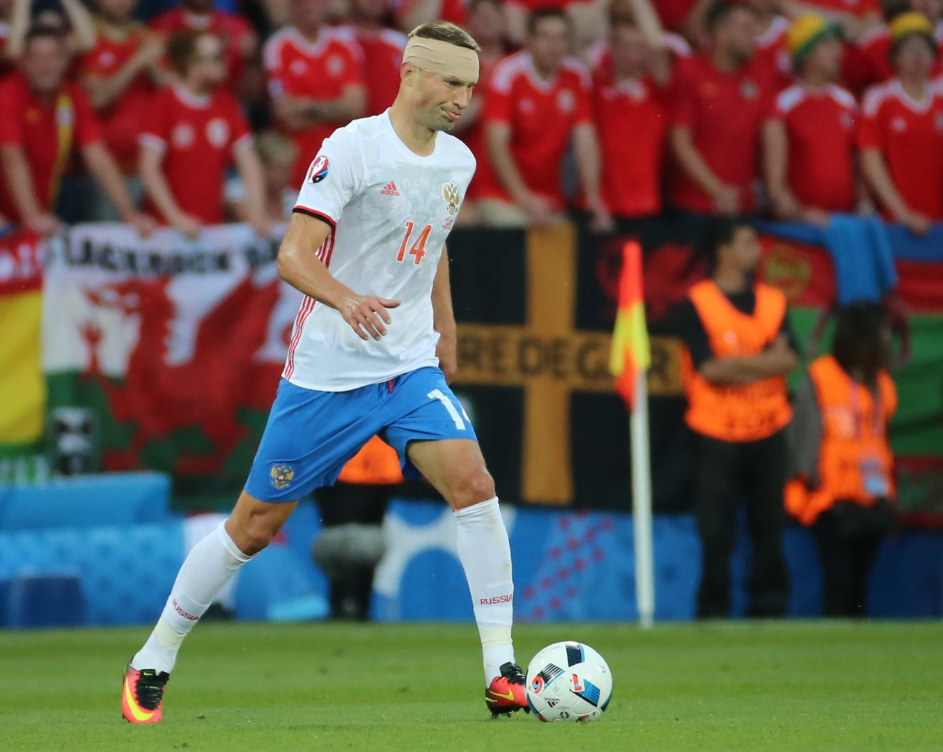 Капитан прощается с футбольной сборной: Березуцкий завершил карьеру в национальной команде