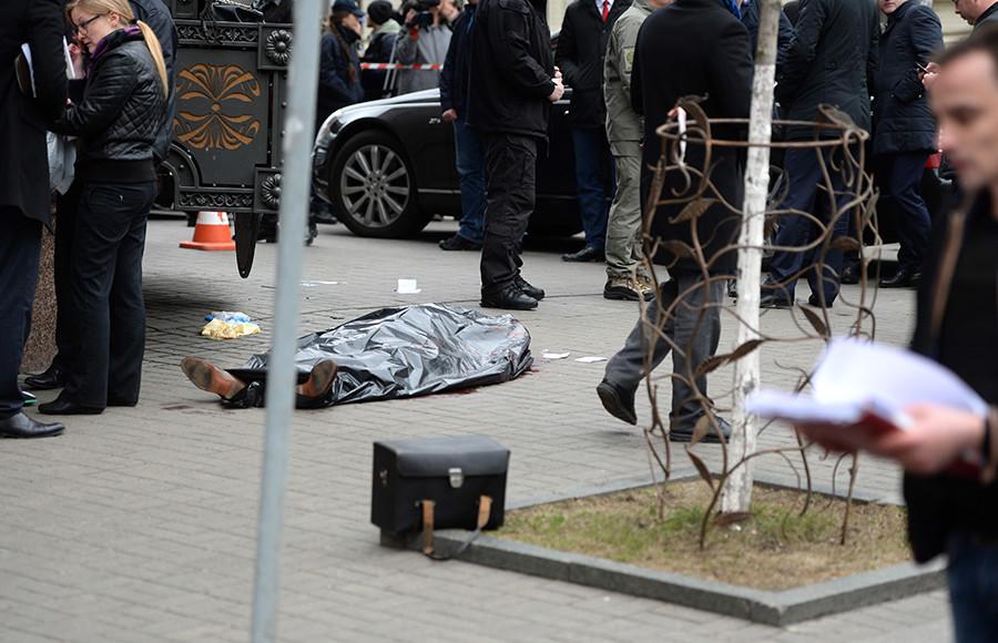 В москве охранник казино убил нападавшего на него игрока конечном итоге было принято решение что игровые автоматы следует размещать