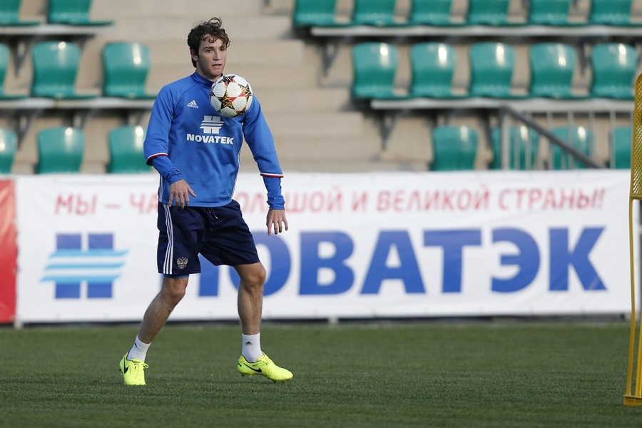 Новый капитан и новый бразилец: в Краснодаре готовятся к матчу сборной России по футболу