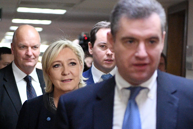 До дня голосования на французских выборах остаётся около месяца