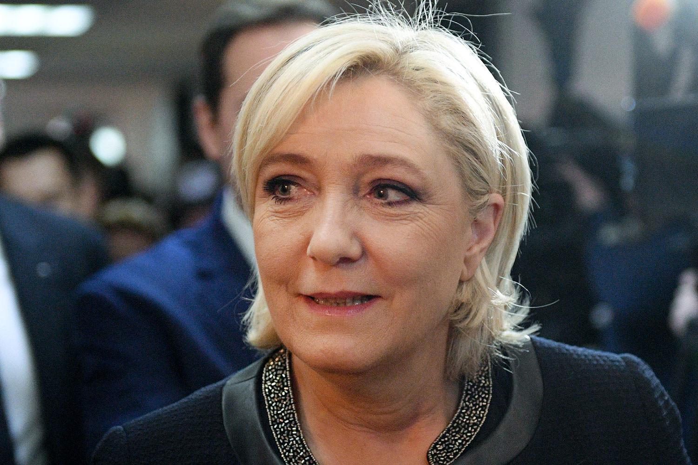 Ле Пен — сторонница налаживания отношений с Москвой. Кандидат выступает против антироссийских санкций