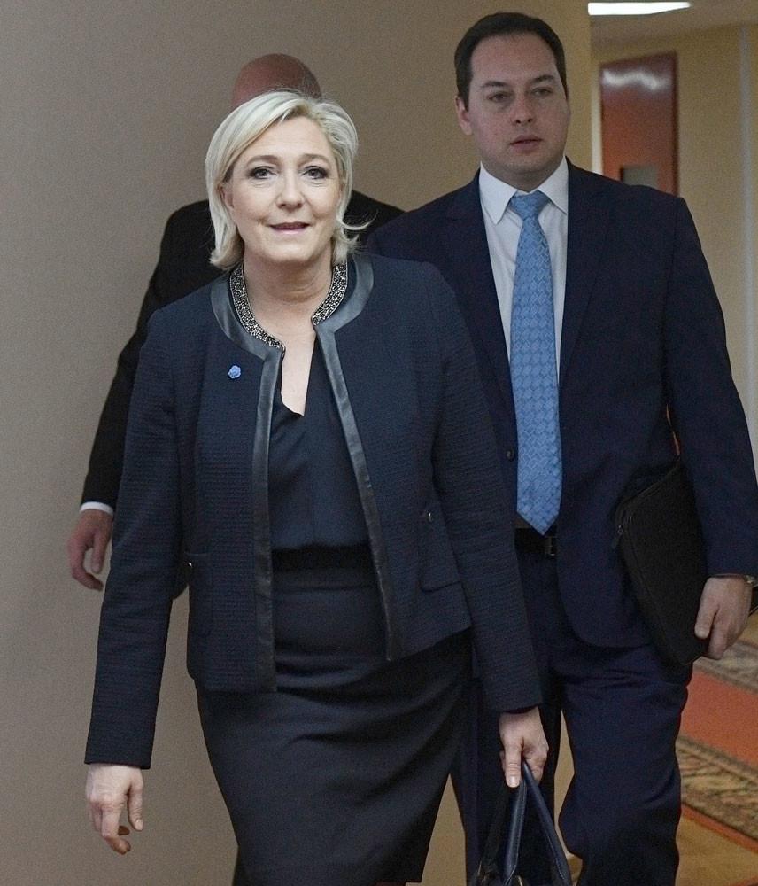 Согласно опросам, за Ле Пен на выборах готовы проголосовать 25% избирателей