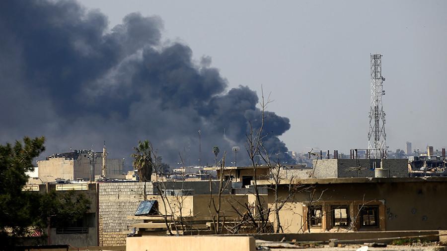 Жестокая уловка: боевики ИГ намеренно вызывают огонь коалиции на дома жителей Мосула