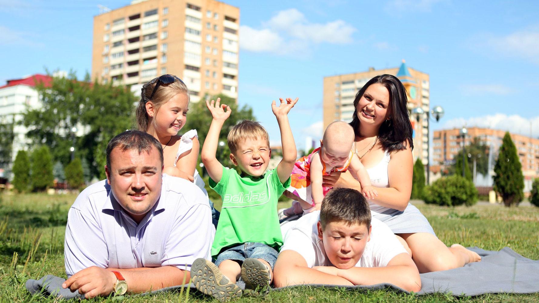 число многодетных семей в России за шесть лет увеличилось на 25%
