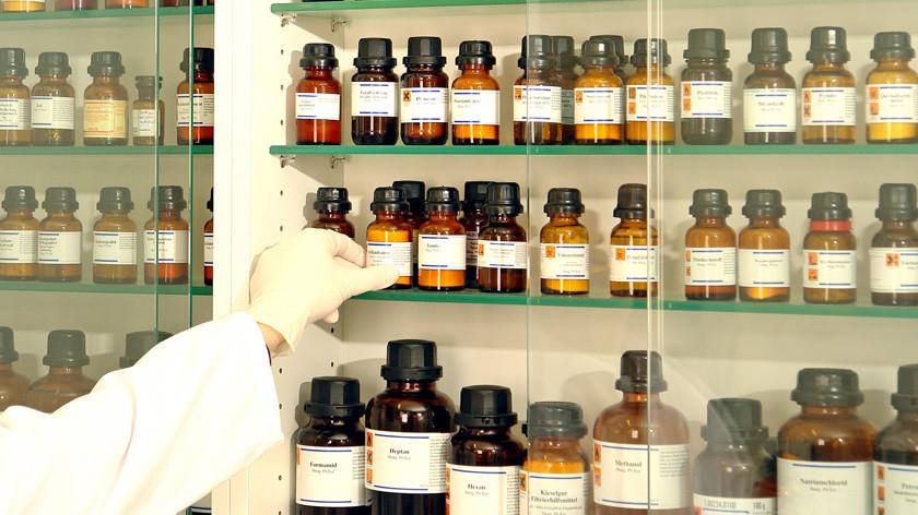 Пора лечиться: правительство просят запретить рекламу гомеопатии в государственных СМИ
