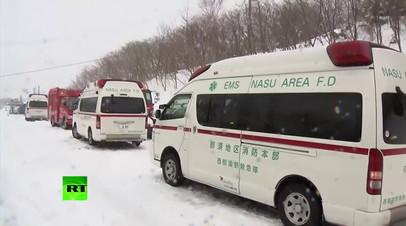 Не менее 8 школьников погибли в результате схода лавины в Японии