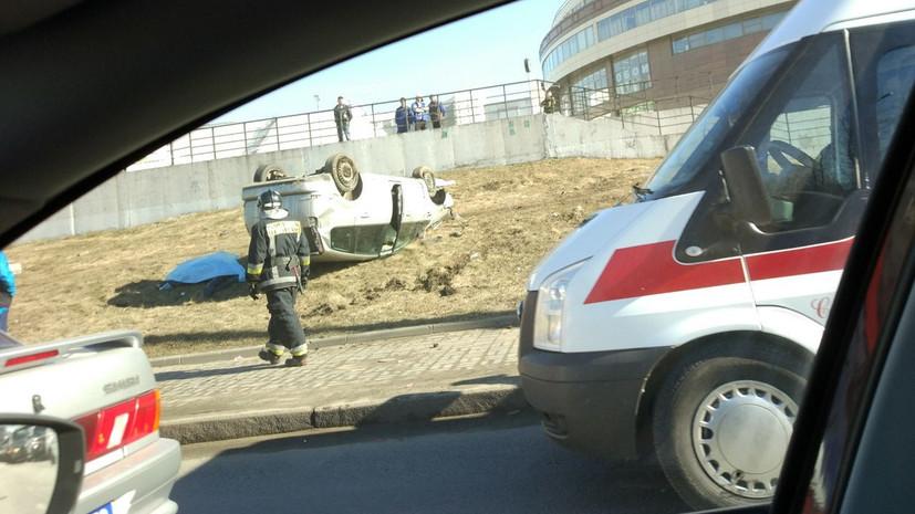 В Петербурге Ford вылетел на тротуар и насмерть сбил двух пешеходов