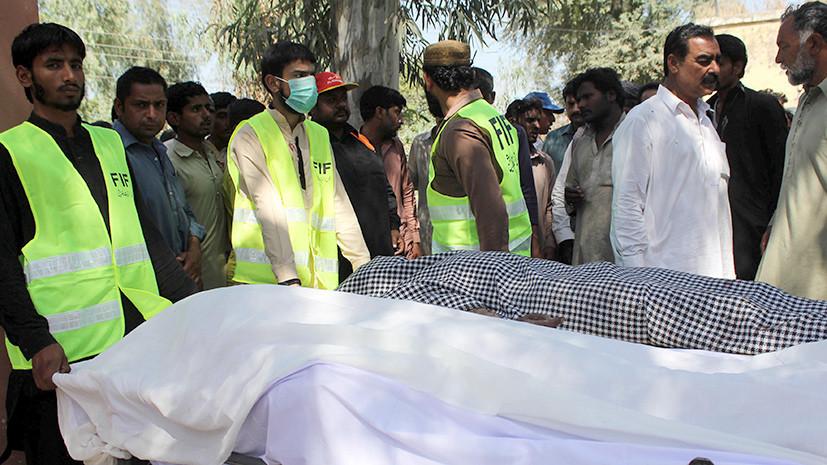 В Пакистане психически нездоровый смотритель храма убил 20 прихожан