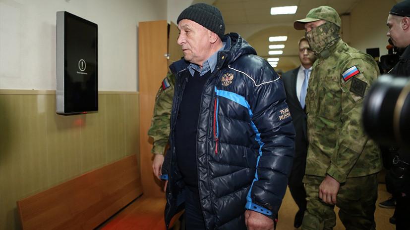 В особо крупном размере: экс-главе Удмуртии предъявлено обвинение во взяточничестве