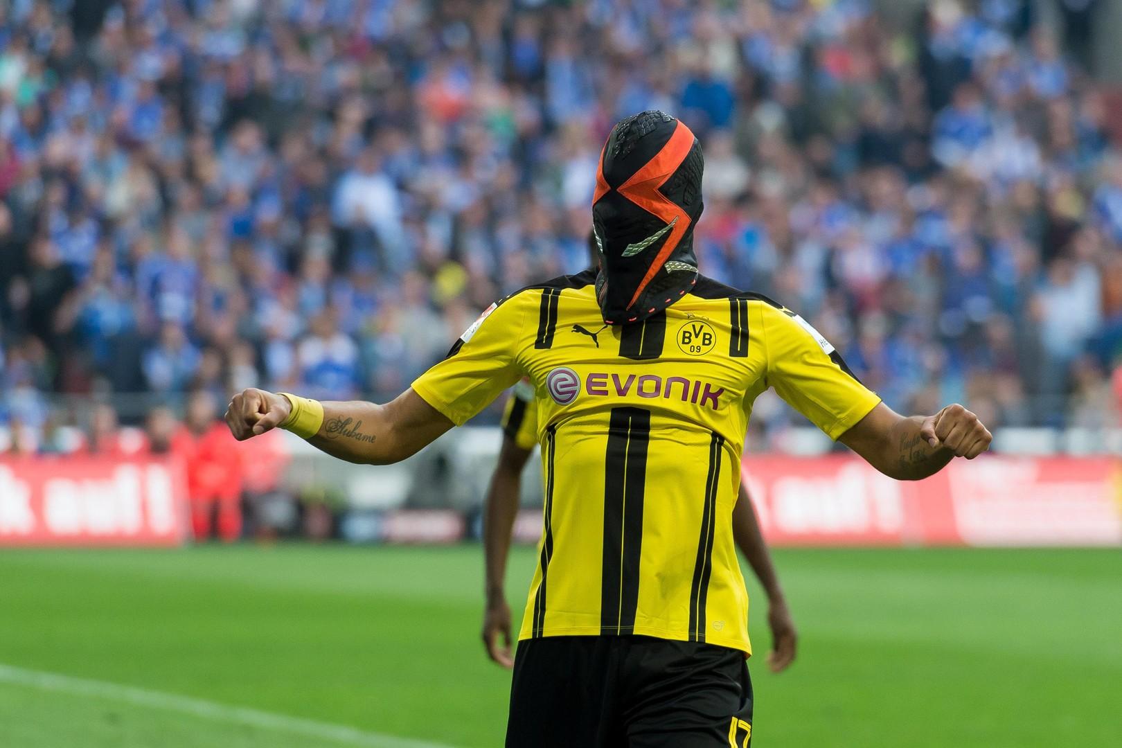 Человек-паук, драка фанатов «Арсенала» и 12:0 от «Барсы B»: футбольные выходные в Европе