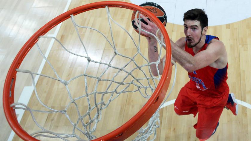 В трёх шагах от второго титула подряд: ЦСКА пробился в плей-офф баскетбольной Евролиги