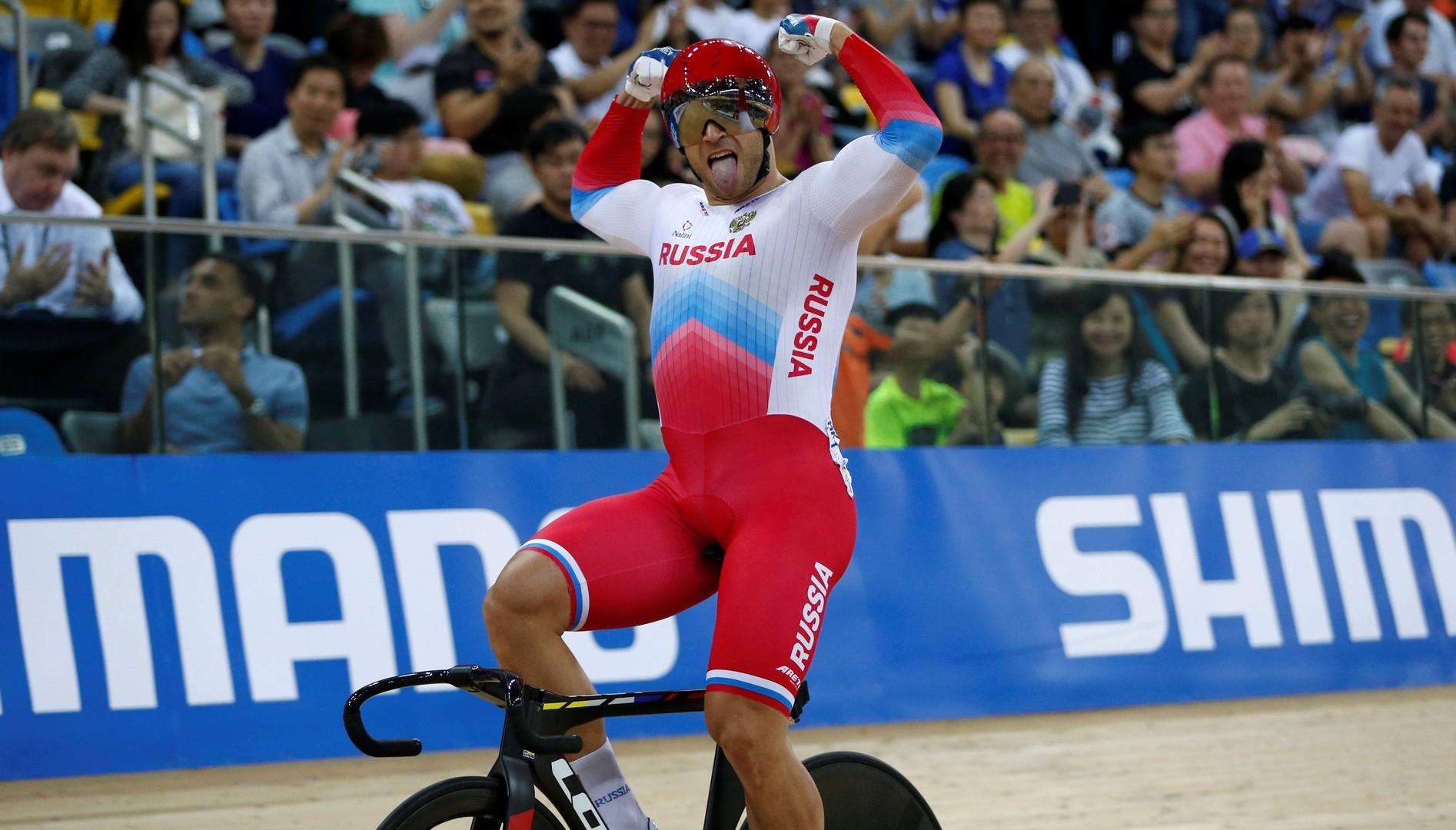 Золотой дубль: россиянин одержал историческую победу на чемпионате мира по велотреку