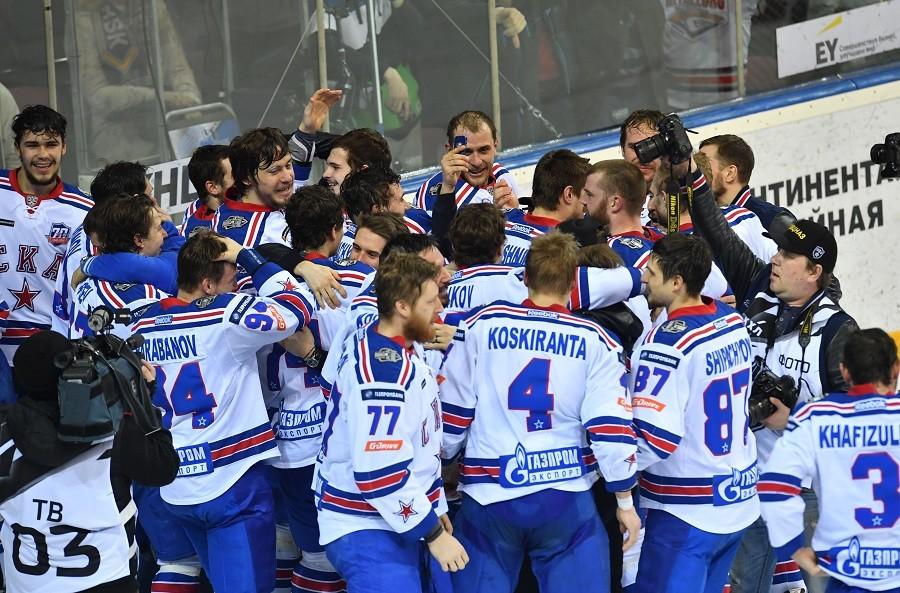 Двукратные чемпионы: СКА второй раз в своей истории завоевал хоккейный Кубок Гагарина