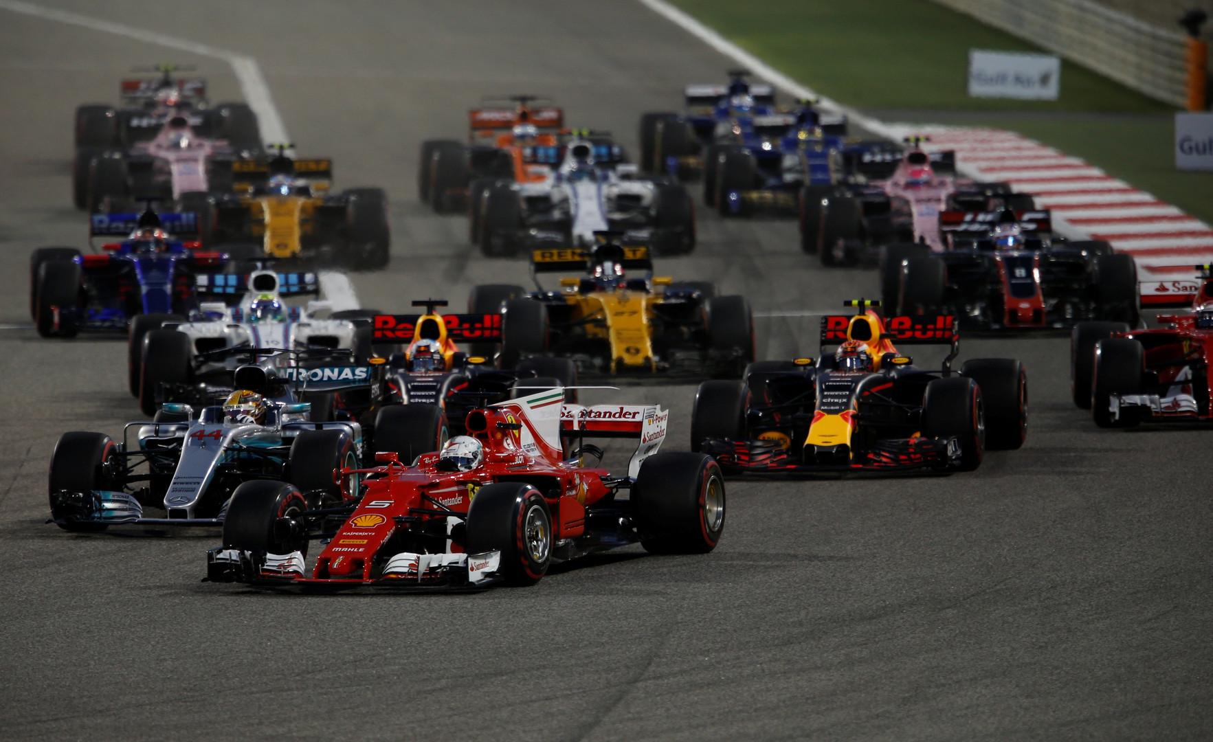 Король пустыни: Феттель выиграл Гран-при Бахрейна, Квят финишировал 12-м