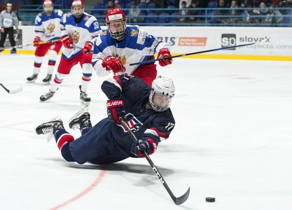 Хоккеисты топят лёд: российские юниоры впервые с 2011 года могут завоевать медали ЧМ