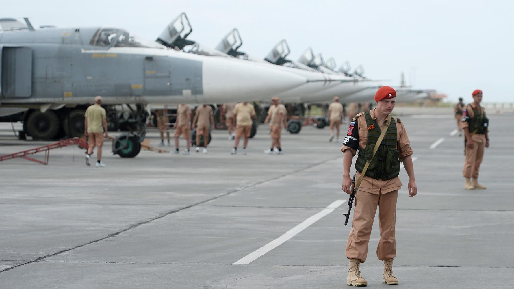 Россия вывела половину авиагруппы с сирийской базы Хмеймим