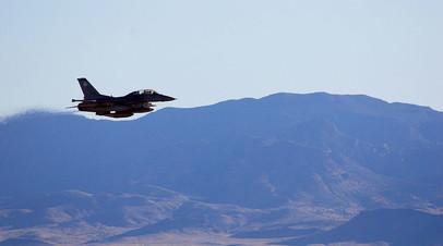 Фото с испытаний бомбы B61-12 на истребителе F-16C