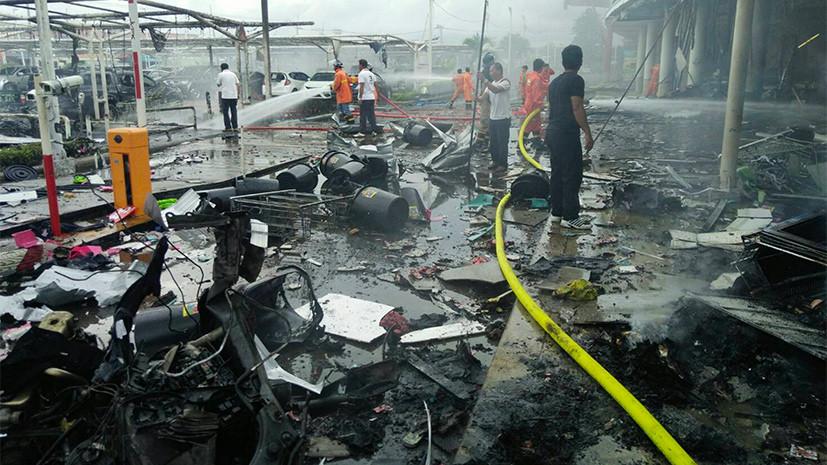 При взрывах возле ТЦ на юге Таиланда пострадали около 20 человек