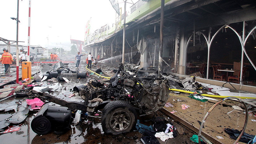ВТаиланде из-за 2-х взрывов вТЦ пострадали неменее 50 человек