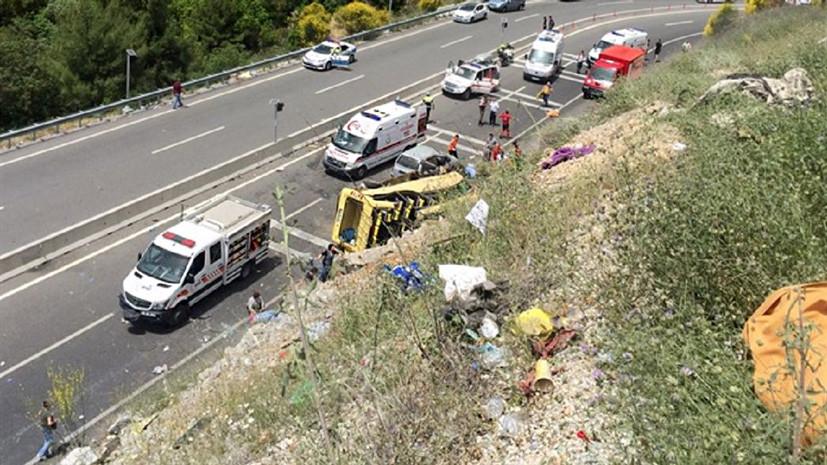 Микроавтобус с туристами попал в аварию на юго-западе Турции, есть жертвы