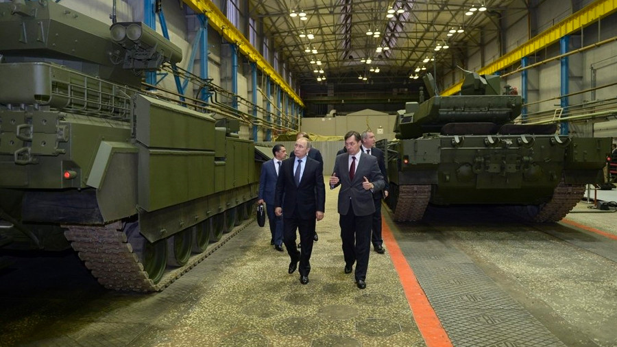 Под личным контролем: зачем Владимир Путин собирает в Сочи военных и оружейников
