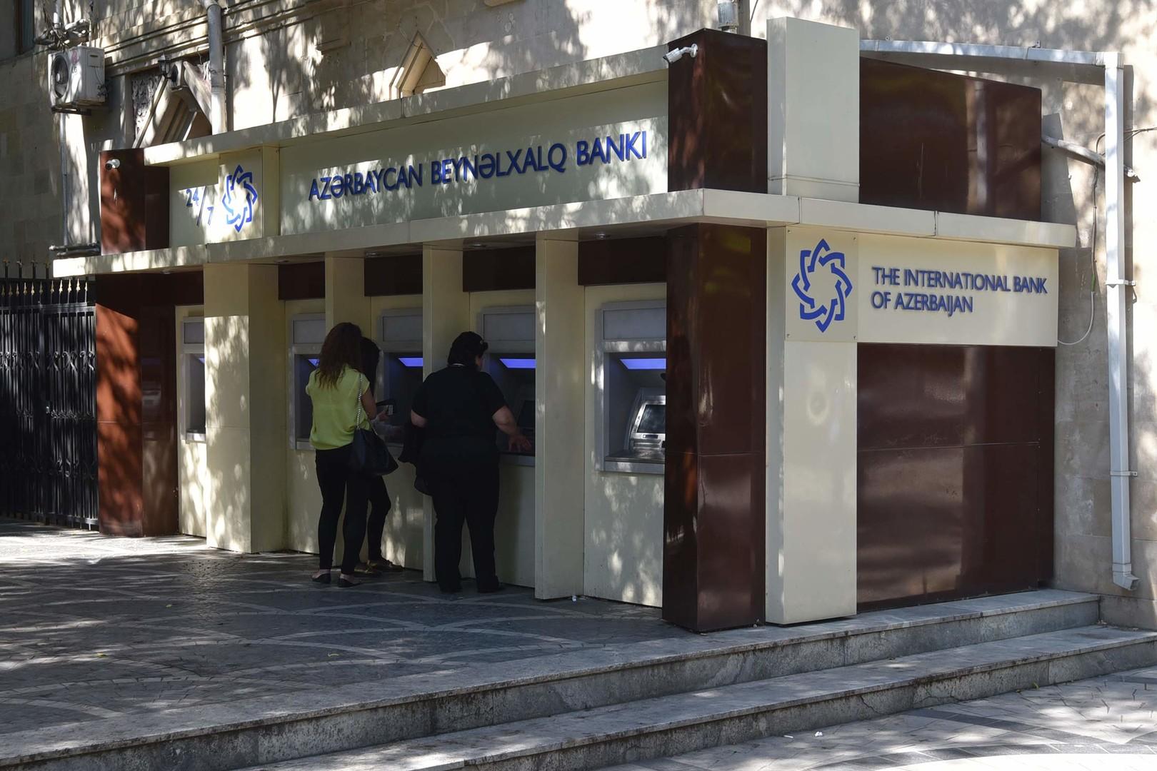 Долги по плану: что привело к реструктуризации кредитов крупнейшего госбанка Азербайджана