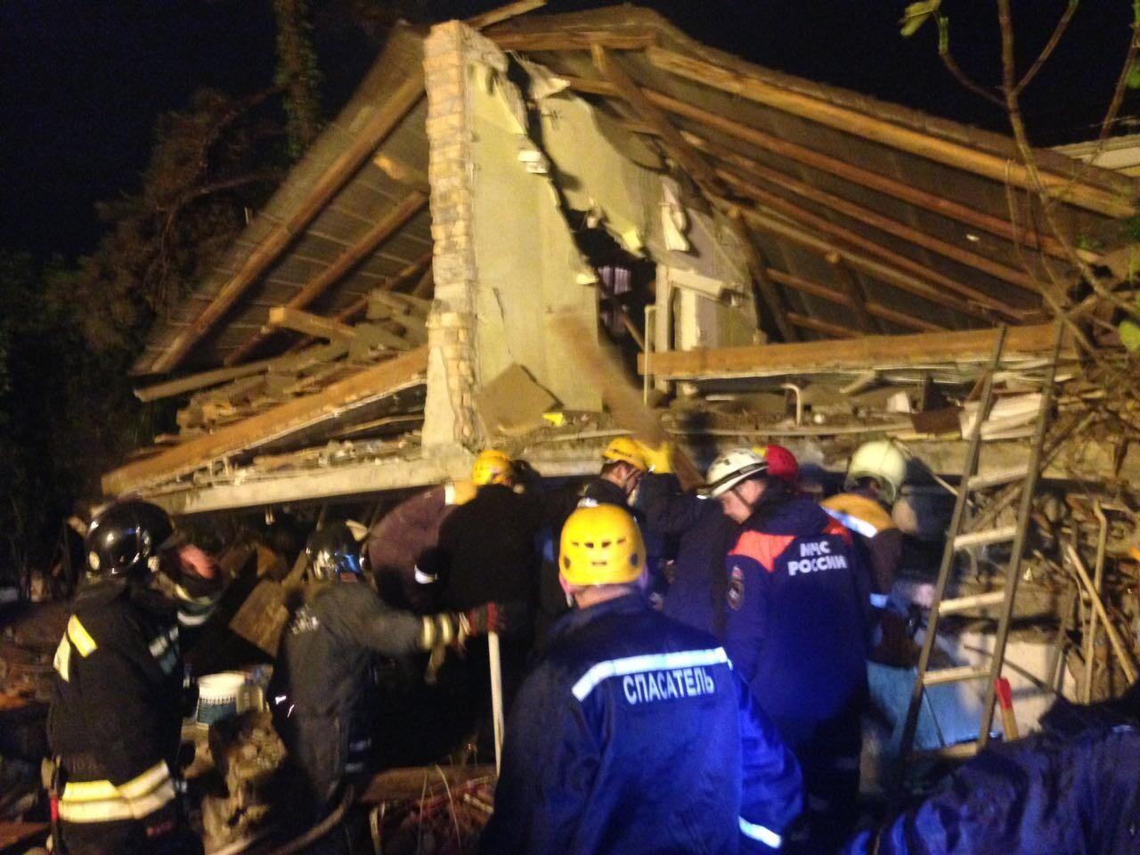 СК начал проверку по факту обрушения дома в Сочи