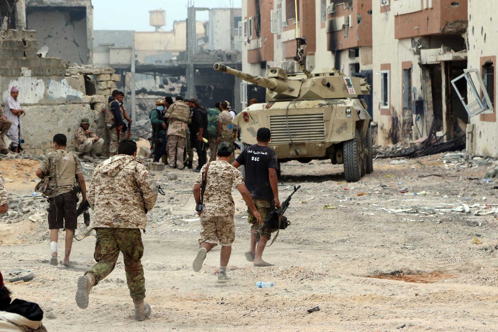 В Ливии более 140 человек стали жертвами атаки на авиабазу