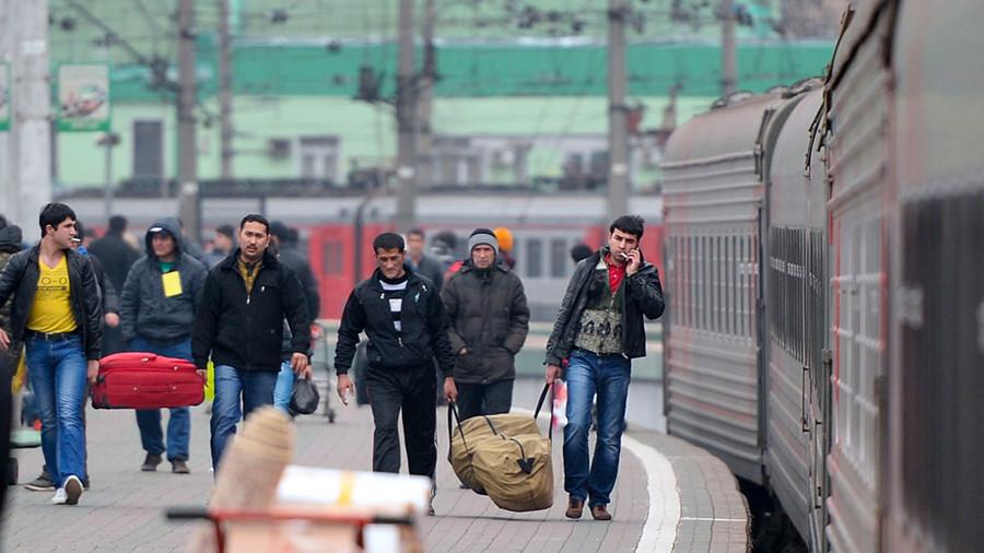 Курс на снижение: число выдворенных из России иностранцев в 2016 году сократилось вдвое