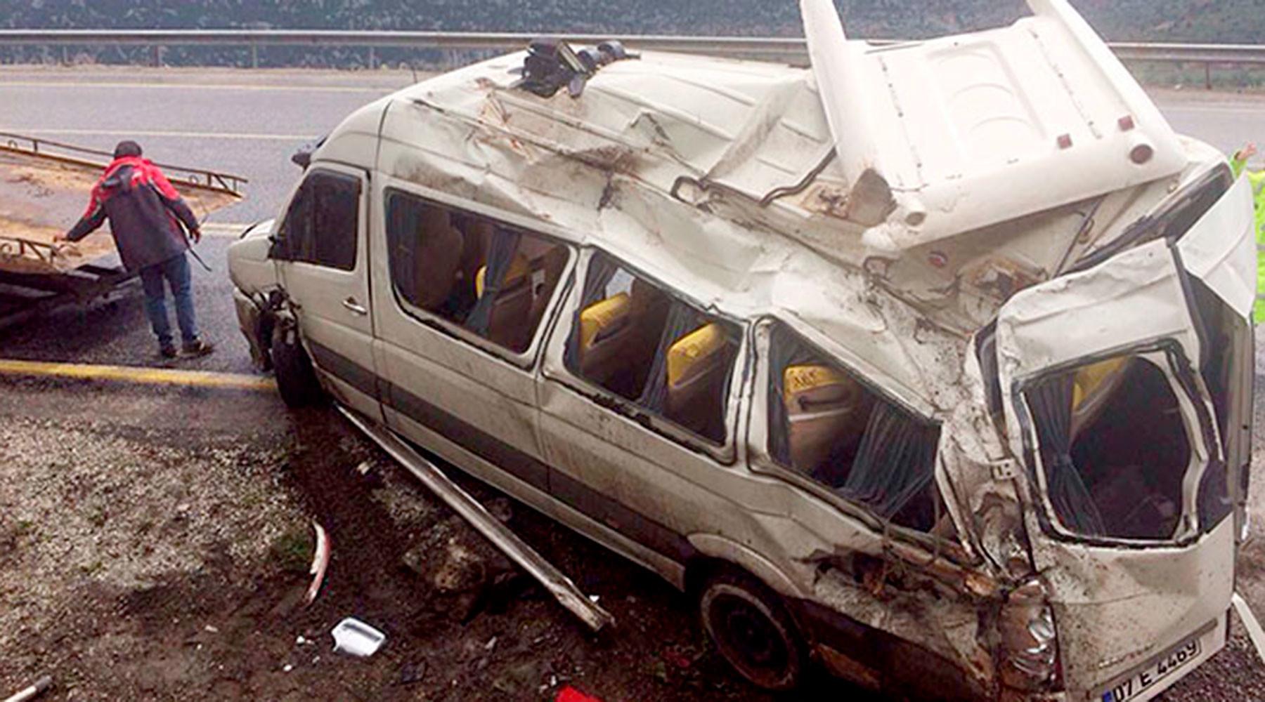 В турецкой полиции рассказали о состоянии российских туристов после ДТП в Анталье